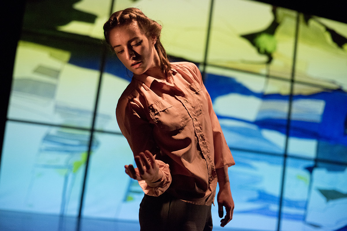 Mapping The Line (2017). Choreographer/Director: Sasha Roubicek Photography: Camilla Greenwell cgreenwell@hotmail.co.uk